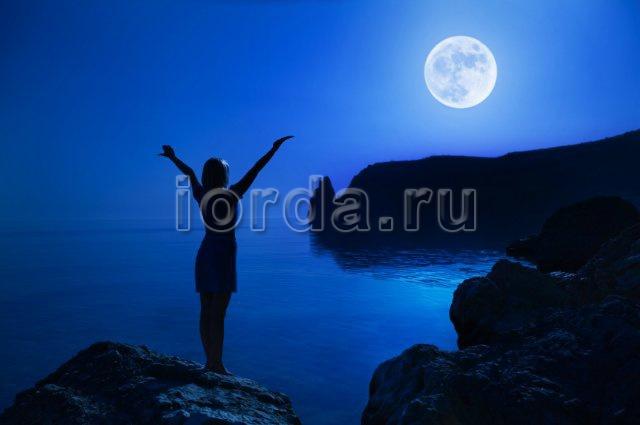 Какое влияние оказывает Луна на психику человека?
